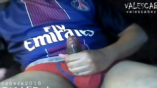 ValesCabeza096 WIDESCREEN version(RE-EDITED) PSG RED BRIEF CUM futbolista PSG en truza Roja se deslecha en Punheta