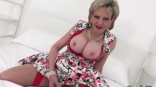 Adulterous english mature lady sonia reveals her oversized boobies