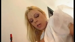 Elegant beauty likes getting her shaved twat devoured